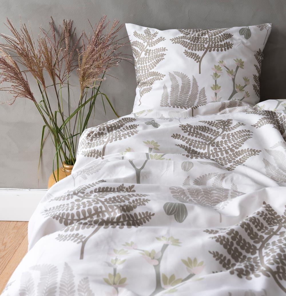 Picture of: Notes By Susanne Schjerning Satin Sengetoj Oriental Olive Engholm Textiles